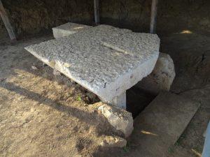 Camera funerară simplă a unui tumul din partea de sud