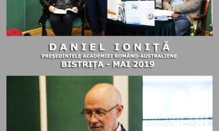 POETUL DANIEL IONIȚĂ, PREȘEDINTELE ACADEMIEI ROMÂNO-AUSTRALIENE, ÎNTR-O CONEXIUNE MAGICĂ LA BISTRIȚA